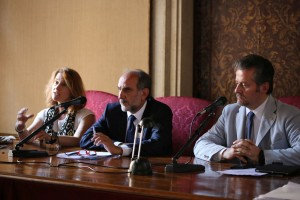 Pictured (L-R) at the Intermediterranean Commission General Meeting in Venice are Eleni Marianou, CPMR Secretary General, Apostolos Katsifaras, new President of the Intermediterranean Commission, and Roberto Ciambetti, President of the Veneto Regional Council - credit Consiglio regionale del Veneto